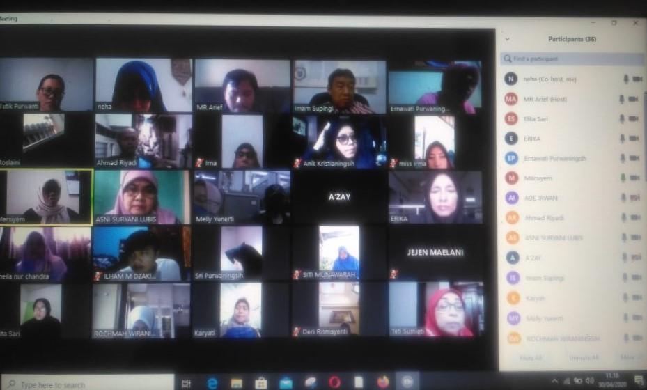 Guru dan Pimpinan Sekolah Melakukan Video Conference Dalam Rangka Pengambilan Keputusan Kelulusan Siswa Kelas XII